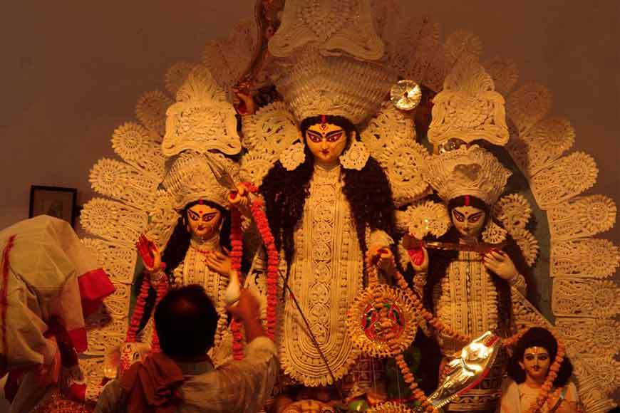 AGOMONI! Bangla Chaler Thakur to Chhobiana -- Changing face of Devi Durga idols