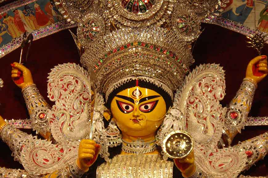 Durga's ornaments came from Germany by post! Daaker Saaj redefined!