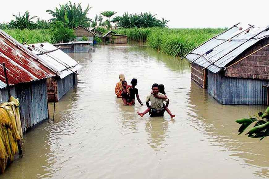 Flood victims of Bengal find shelter in Bangladesh