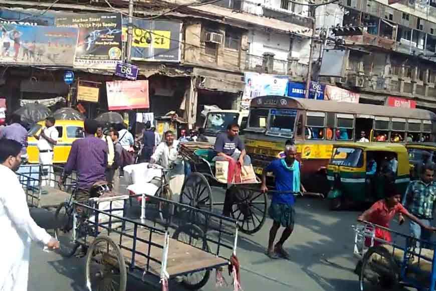 From kebabs to fruits, walking through the bazaars of old Kolkata