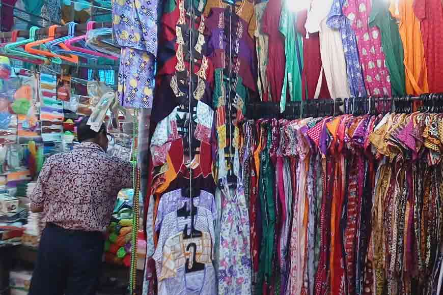 Why Gariahat is still a street shopper's paradise?
