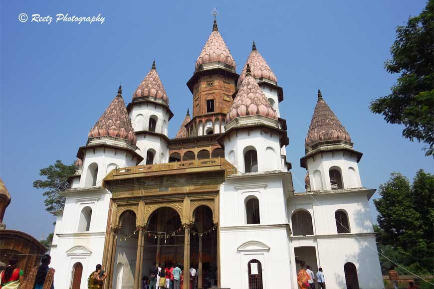 Hanseshwari Temple of Bansberia reflects Russian architecture!