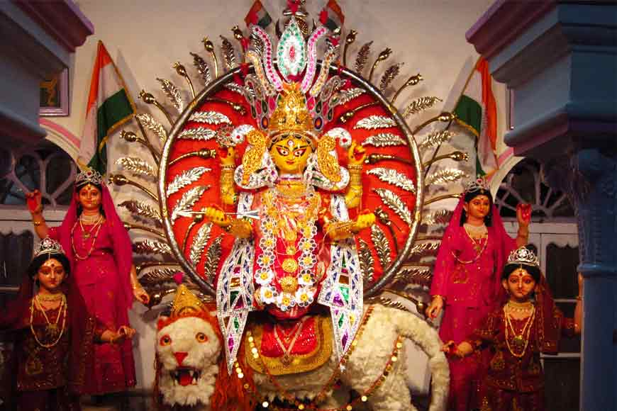 Jagaddhatri Puja at 'Medicine Man' BK Pal's house 119-year-old