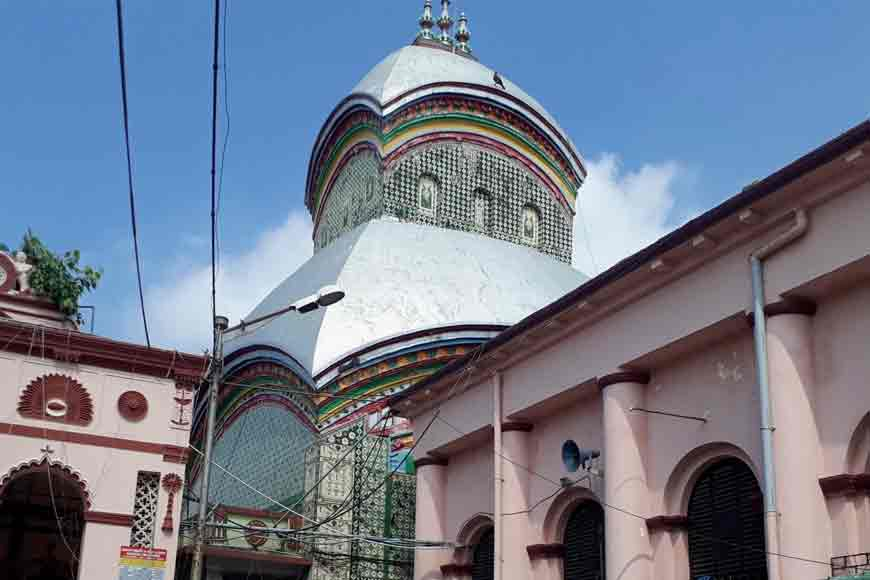 Did you know Kalighat Temple has a special architecture found only in Bengal?