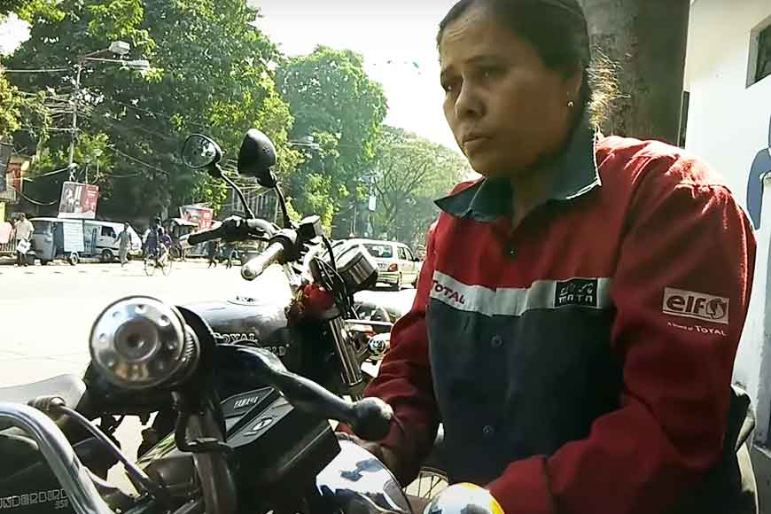 Sonali Mistry – the only lady two-wheeler mechanic of Kolkata