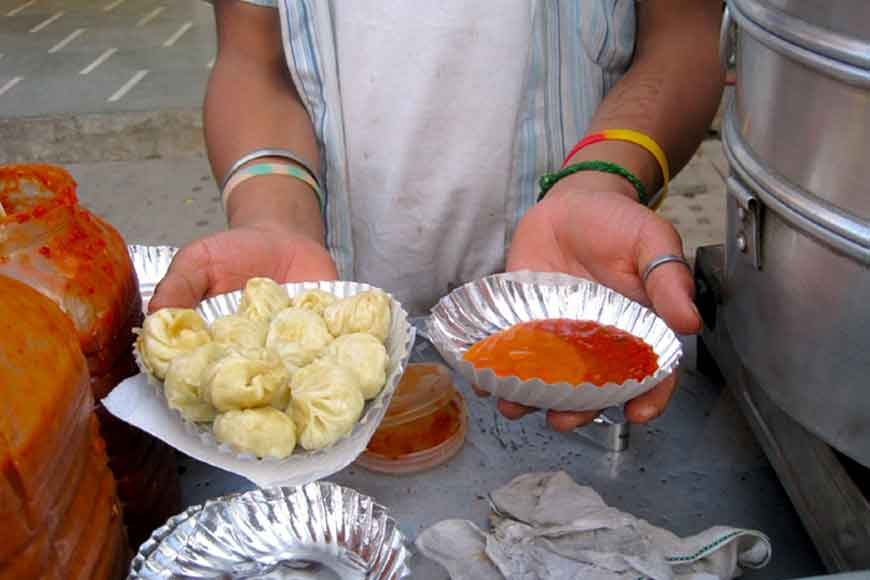 Let's have some street momos of Kolkata