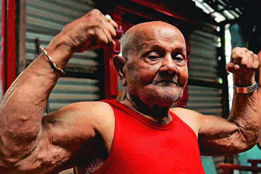 Manohar Aich, the man who hit the gym even at 100!