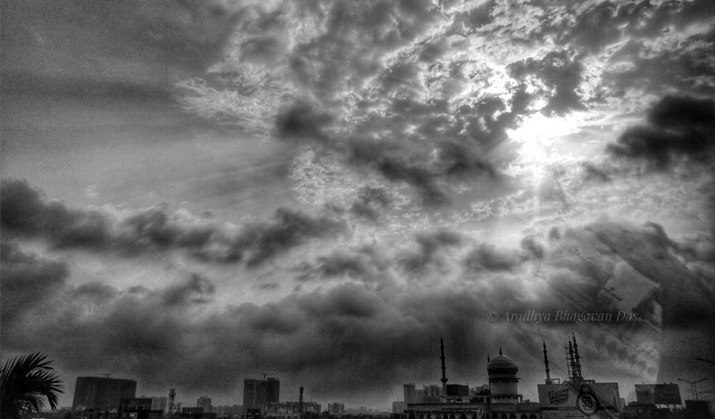 Meghbalika: Cloudscapes of Kolkata