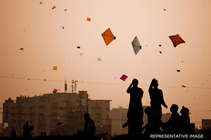 How did Wajid Ali Shah, Nawab of Awadh bring his favourite sport Kite Flying to Kolkata?