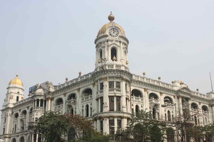 Let's go behind the Corinthian pillars of Metropolitan Building