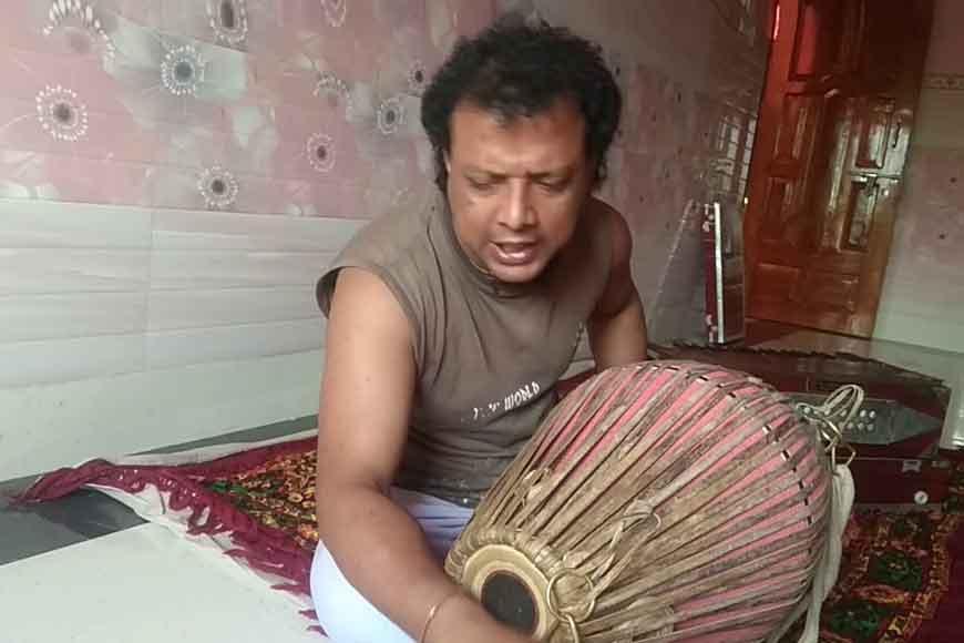Village Kirtaniya from Mangalkot takes Bengal's Sreekhol online to overseas students