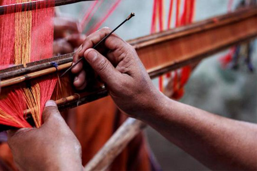 Weavers of Phulia create record by depicting entire Ramayan on one Taant Saree