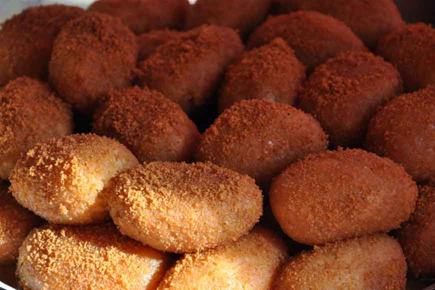 Tracing the history of Bengal's famous sweet Chom Chom!