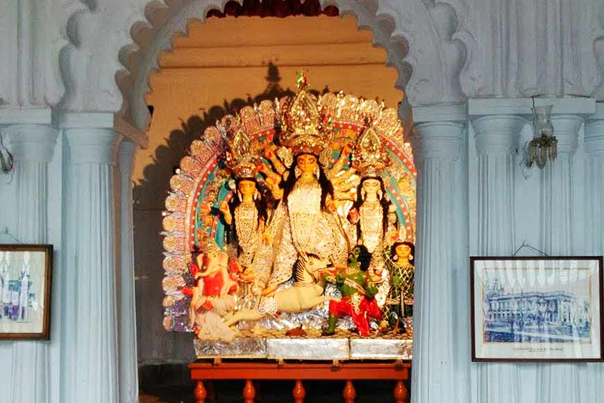 Sovabazar Rajbari is out of bounds this Durga Puja, so let's go on a virtual Andarmahal tour!