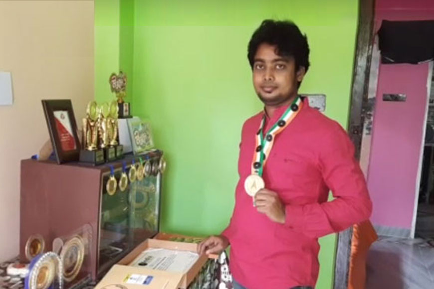 Belda's Suman Manna sets record by creating ICC World Cup's smallest replica