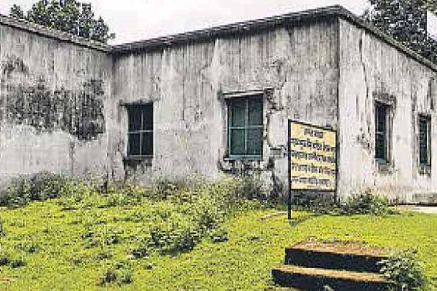 Bengali-Bihari association of Karmatar preserves Vidyasagar's house and turns it into a museum