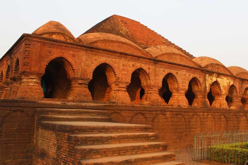 Dhrupad maestro Bahadur Khan popularized the Bishnupur Gharana