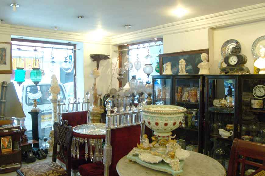 GB visits one of the oldest Collectible Store of Kolkata