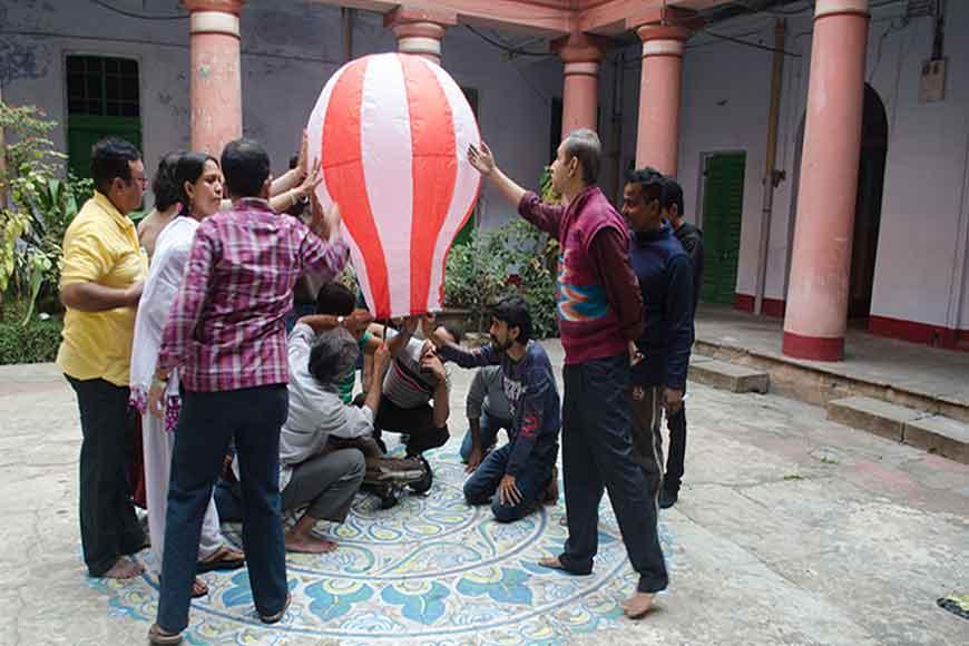 Meet the Fanoosh makers of Kolkata