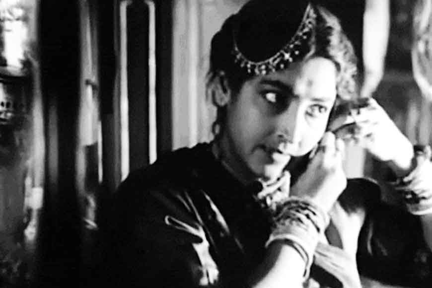 Why did Satyajit Ray choose actress Kanika Majumdar?