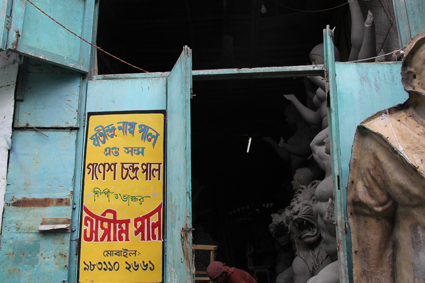 GB visits Asim Paul's Kumartuli Studio