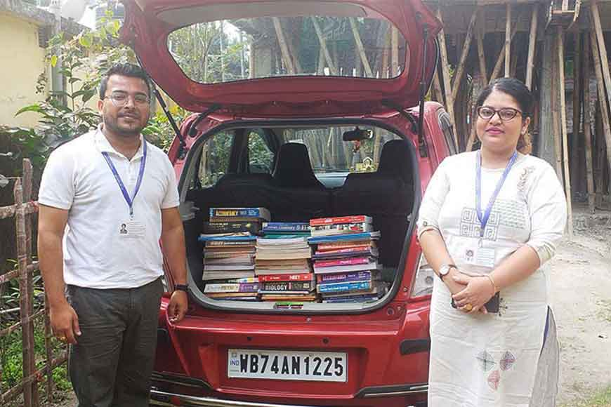 IIT couple of Siliguri starts 'Library on Wheels' for children who have no access to online classes