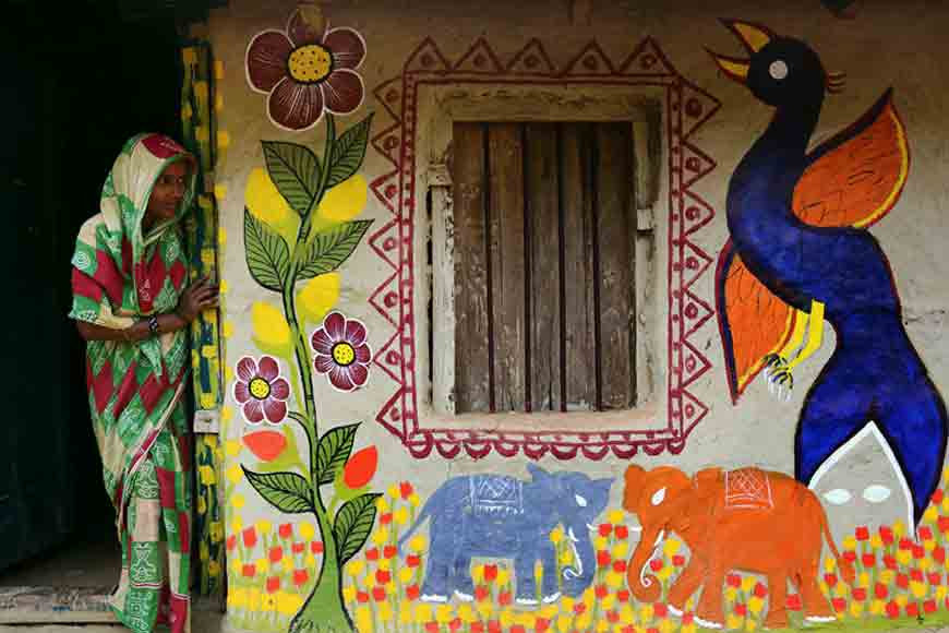 Naya – a village where even a two-year-old knows how to hold a paintbrush