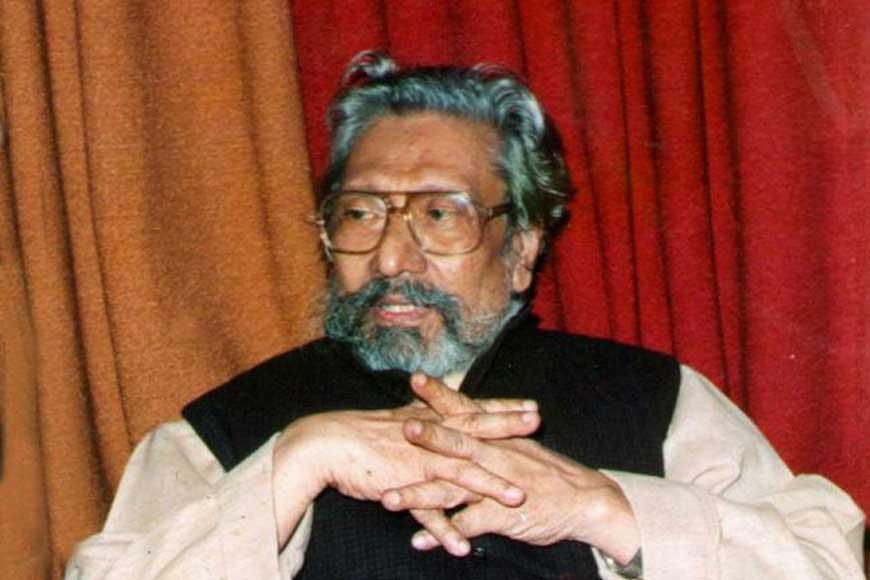 Why was Sambhu Mitra a living legend of Bengali Theatre?