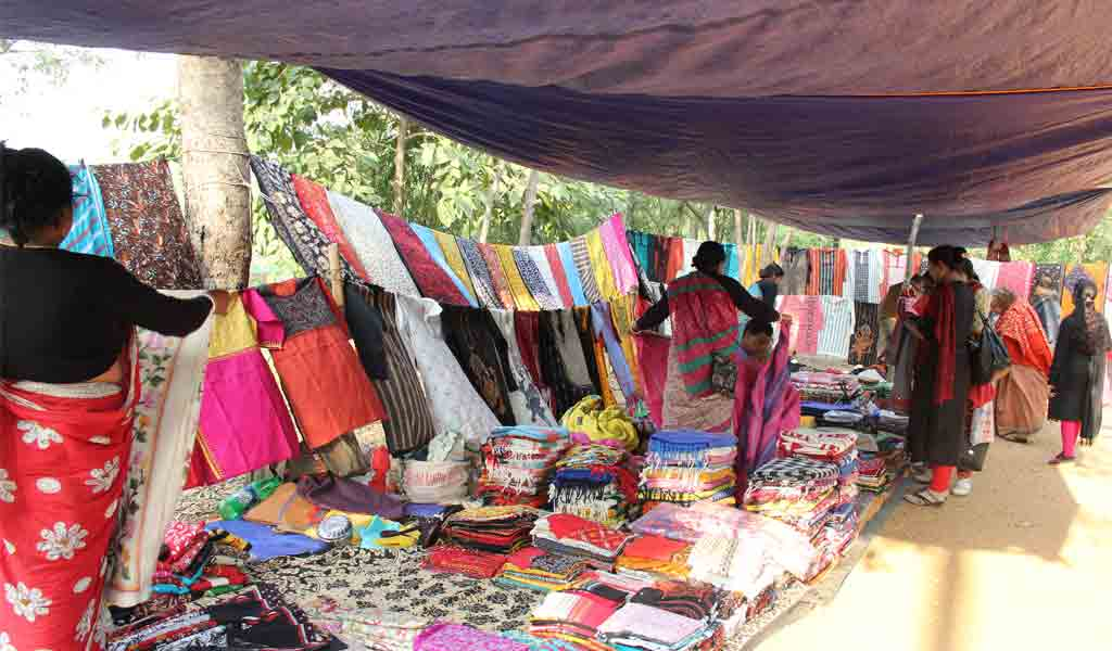 A peek through Santiniketan's 'Shonibarer Haat'