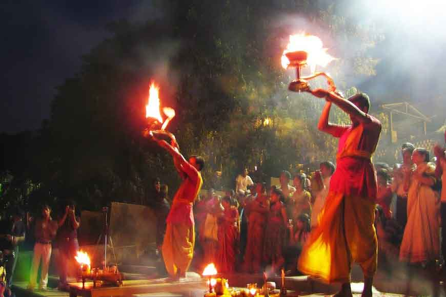 Ganga Aarti at Howrah ancient ghat