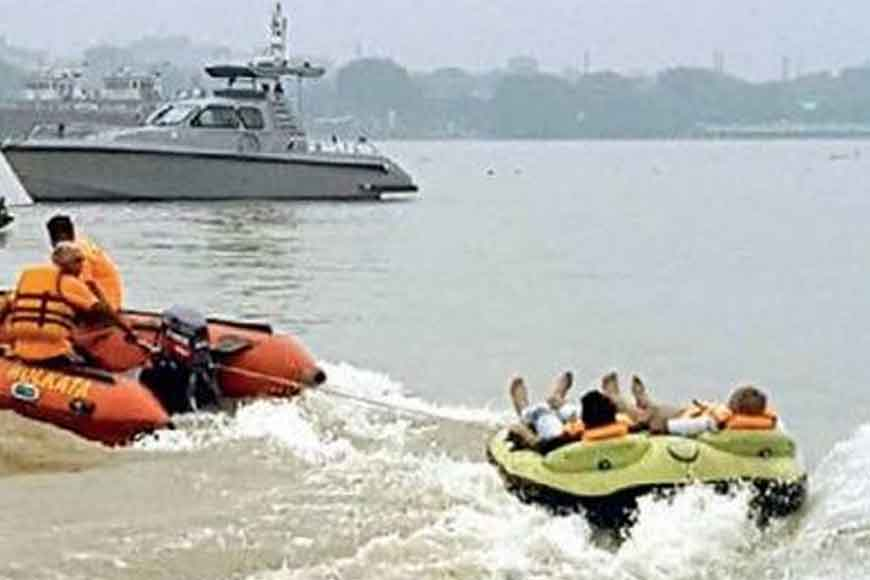 Kolkata Police offers citizens water sports on Hooghly